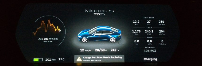 Tesla dash screen.jpg