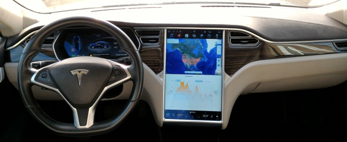 Tesla Tab bord.jpg