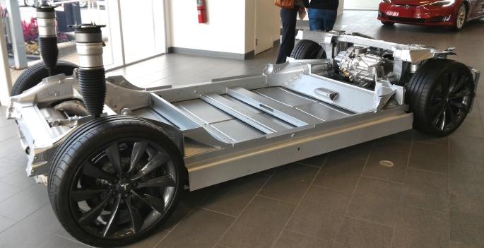 049 Evolu5 Tesla S Plat
