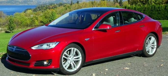049 Evolu5 Tesla S
