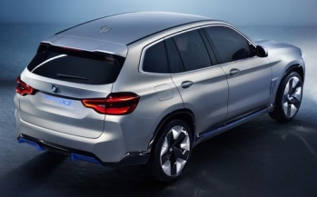 054 Evolu10 BMW iX3 rear