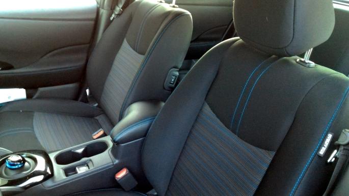 056 Leaf 18 Seats