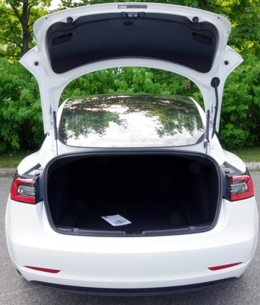058 TM3 Analyse rear trunk