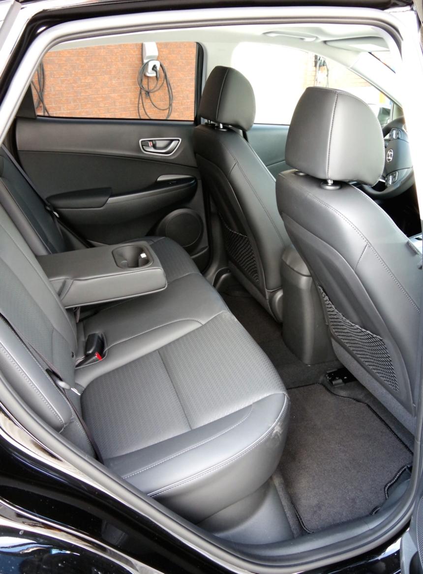 069 Kona Analys Back Seat