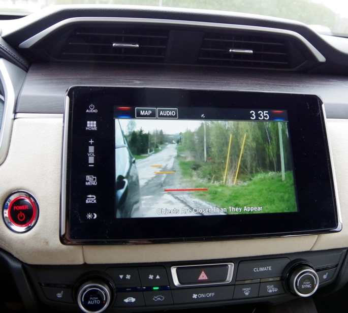 074 Honda Clarity Angle ecran