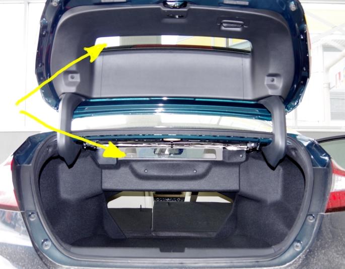 074 Honda Clarity Coffre Vitres.jpg