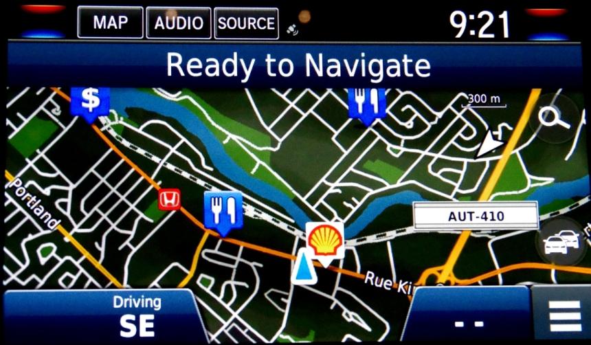 074 Honda Clarity Console GPS