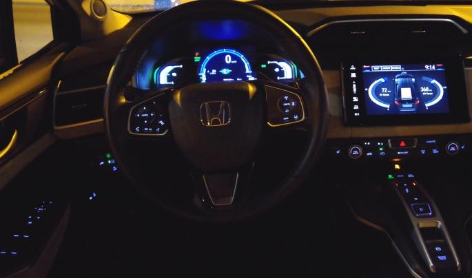 074 Honda Clarity Dash Nuit