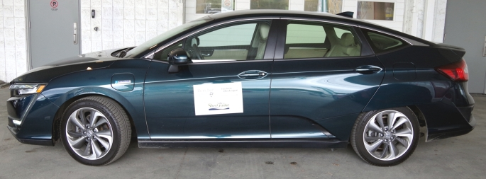 074 Honda Clarity Side
