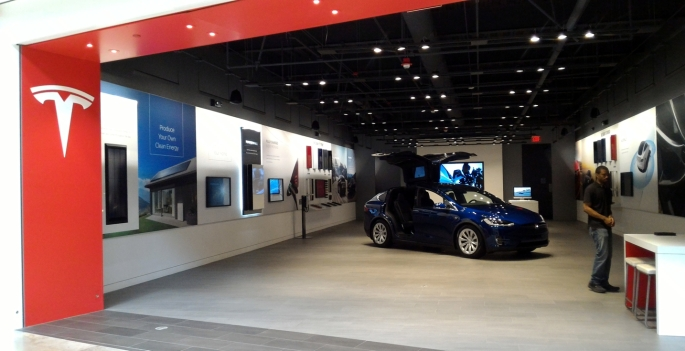 077 NE USA Tesla2.jpg