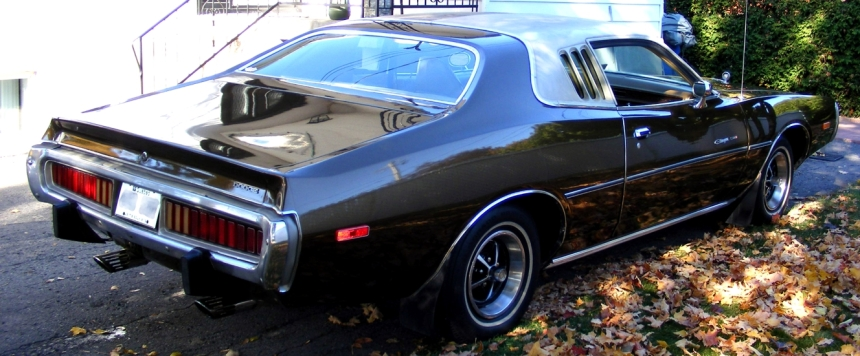 079 MusCar Charger.jpg