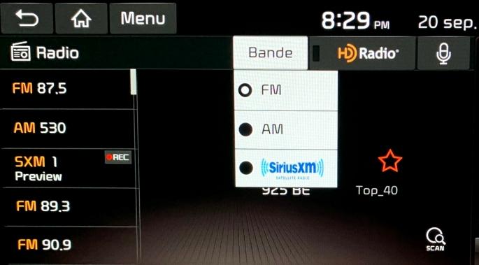 083 KiaSoul Radio.jpg